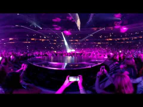 Lady Gaga Million Reasons 4K 360 Pit Experience Wells Fargo Philadelphia Live