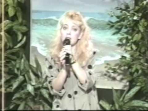 Yolanda Vadiz Cantando a El