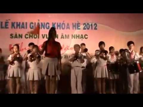 Bay trong đêm pháo hoa - NTN Quảng Ngãi