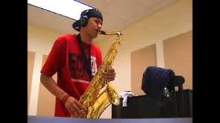 Nice playing on Saxophone. Хорошая игра на саксофоне.