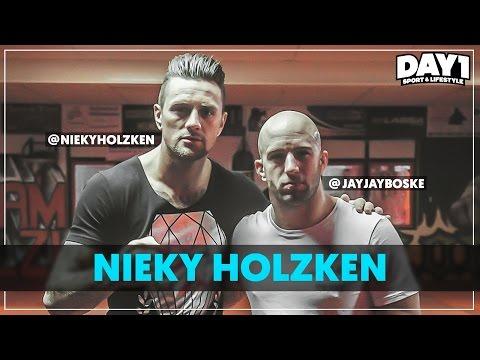 Kickboksen met NIEKY HOLZKEN || #DAY1 Afl. #25