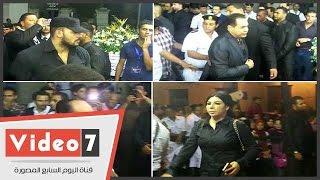 بالفيديو..هانى شاكر ومحمد فؤاد وحكيم ومدحت صالح وغادة إبراهيم بعزاء نور الشريف