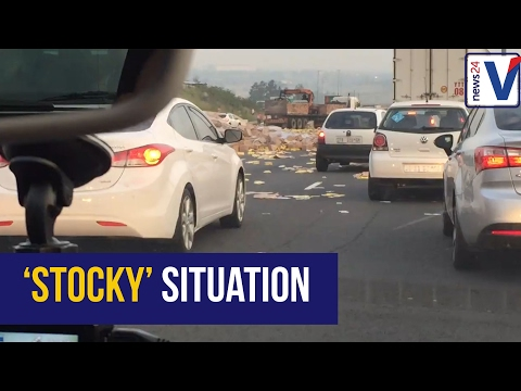 VIDEO: Chicken stock spill causes havoc on N3 JHB