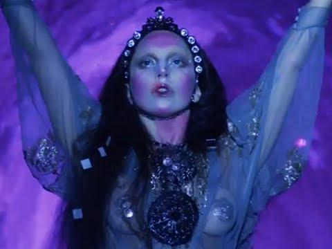 Lady Gaga - Applause Makeup Tutorial ♡ Glowing Princess