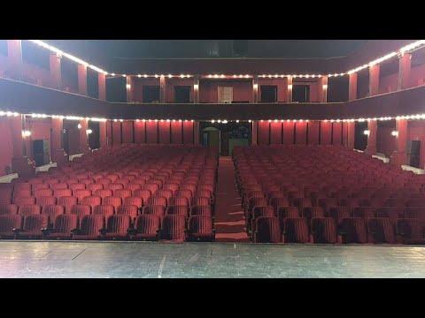 شاهد: معتصمون يحتلون المسرح الوطني الألباني في محاولة لإنقاذ المبنى التاريخي…  - 17:54-2019 / 8 / 12