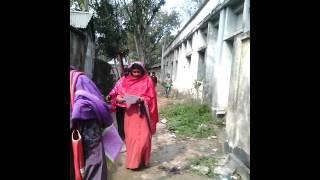 টাংগাইল জেলার গোপালপুর থানায় সূতী হোসেন শহীদ সোহওয়াদি এস এস সি পরিক্ষা কি ভাবে নকল চলছে গণিত পরিক্ষা