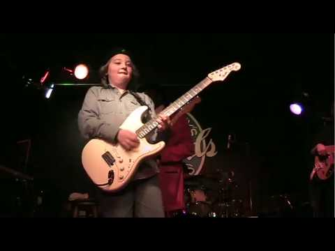 quinn sullivan jamming with buddy guy youtube. Black Bedroom Furniture Sets. Home Design Ideas
