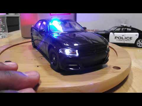1/24 - 27 : 2016 Police charger black unmarked with leds