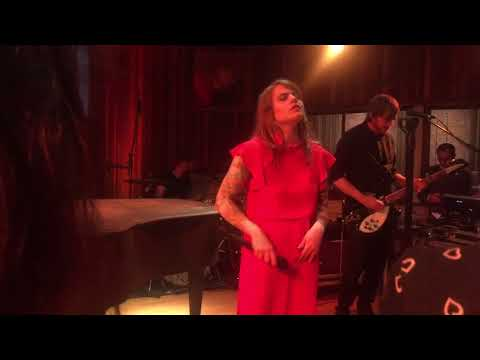 Coeur de Pirate - INÉDIT : Malade (Live @ Bruxelles, showcase Radio Contact)