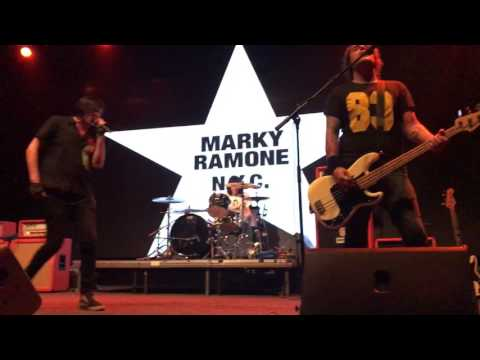 Marky Ramone - I Believe In Miracles (12/06/2017 Moscow)