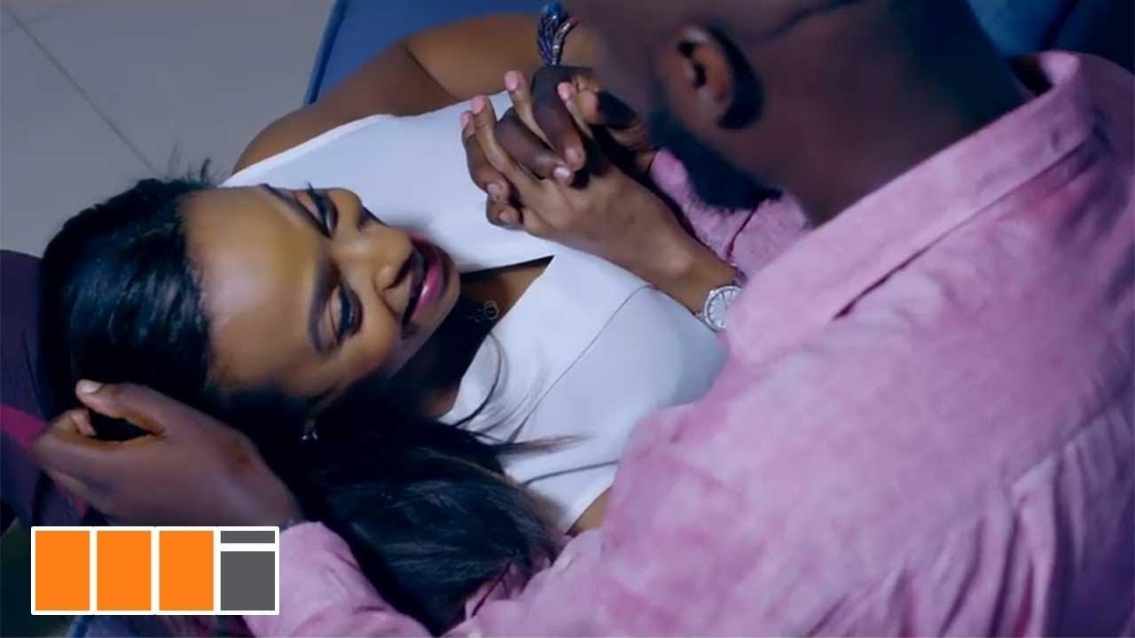 Kofi Kinaata — Single And Free (Official Video)