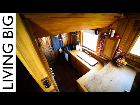 This Family Sold Their Home To Move Into An Amazing House Truck
