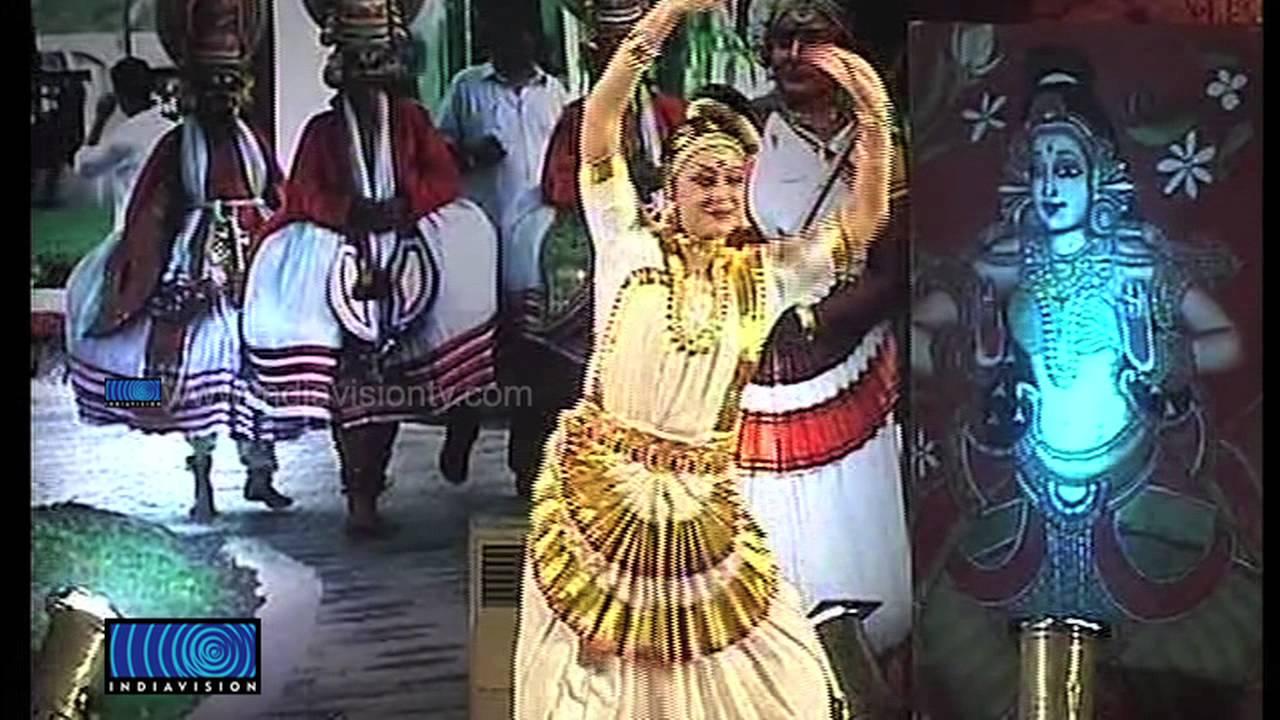 Nishagandhi Fest Starts With Mohiniyattam Of Parvathi