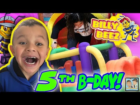 HE GOT HIS OWN BOUNCE HOUSE! BILLY BEEZ B-DAY PARTY! HUGE SLIDES AND FUNNY FAILS! DINGLEHOPPERZ VLOG