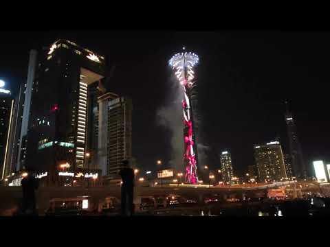 Live ||Burj Khalifa Fireworks 2021, Dubai Mall UAE ||New Year Celebration INDIAN GUY TEAM VIKRANT||