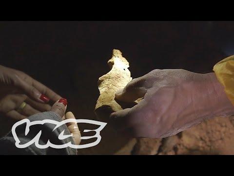 The Bone Hunter: VICE INTL Japan