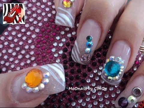 Diseño De Uñas Con Piedrasuñas Animal Printuñas Decoradasnails