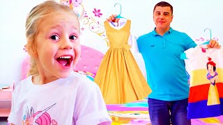Nastya giysi, takı ve kozmetik için babası sorar