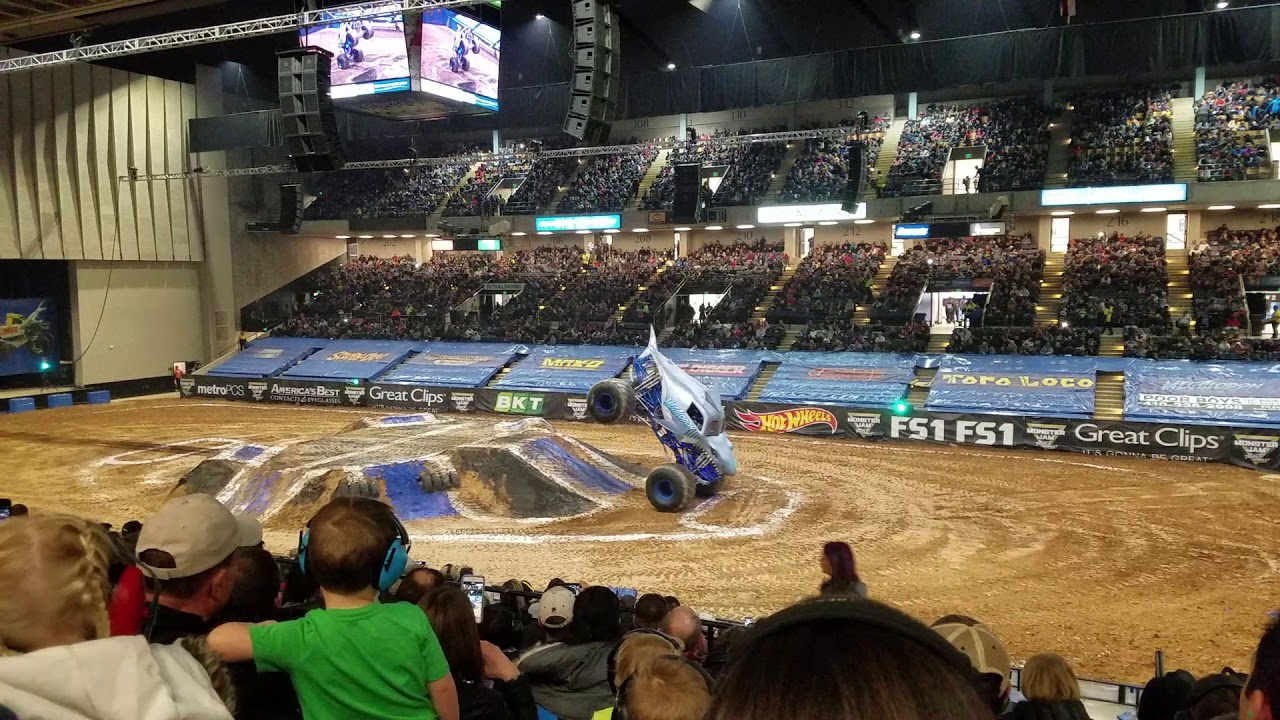 2018 Royal Farms Arena Monster Jam Megladon Youtube