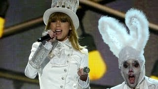 Taylor Swift Calls Out Harry Styles in Grammy Performance 2013 thumbnail