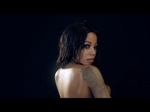 Kelly Khumalo - Undithatha Kancinci (Official Music Video)