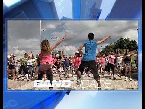 Grupo realiza ação na Ponta Negra para incentivar saúde no feriado