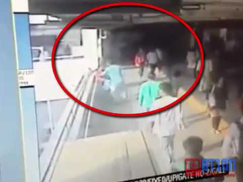 Gurgaon MG Road Metro Station Women live Murder Caught by CCTV Camera