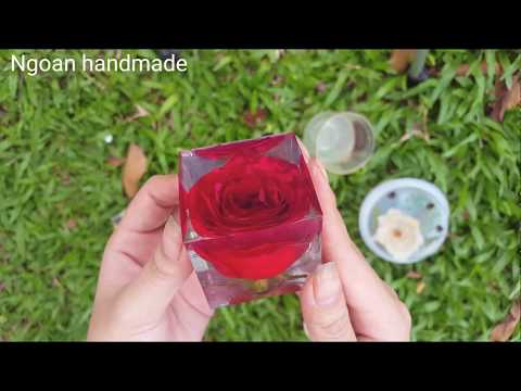 Resin epoxy with real flowers