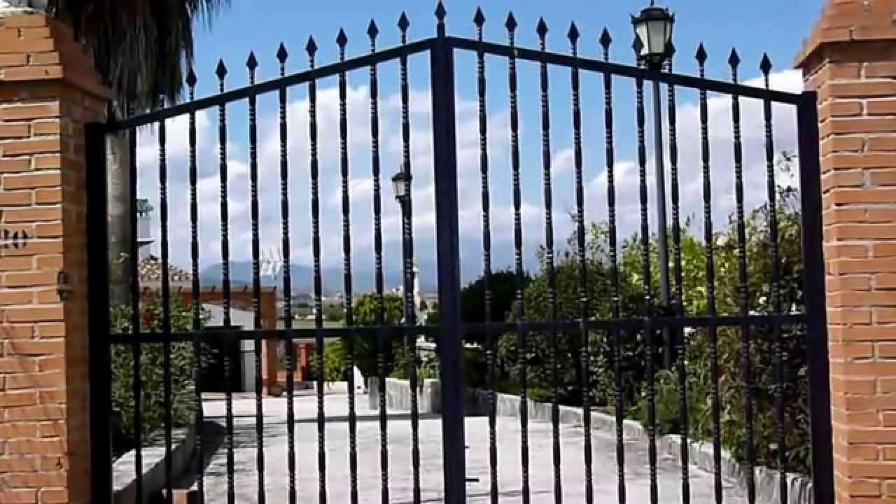 Portones y cercados de hierro fabricados con tubos - Puertas de metal para casas ...