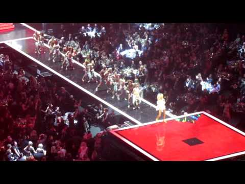 Rihanna - live at the Brit Awards 2012