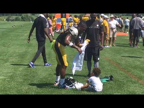 Antonio Brown prepares for Steelers camp practice