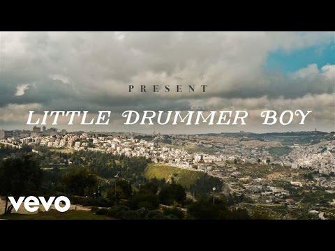 Jennifer Nettles - Little Drummer Boy ft. Idina Menzel