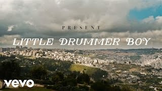 Jennifer Nettles - Little Drummer Boy ft. Idina Menzel