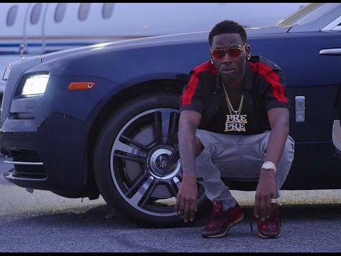 Young Dolph The New Bmf Pulls Up To Gas Station In 6 Exotic Cars