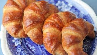 рецепт круассаны  The French Croissant(как приготовить классические французкие круассаны слоеное дрожжевое тесто от Dovna Enterprises. Prelude in C by JS Bach...., 2012-01-08T01:13:43.000Z)
