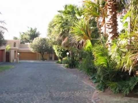 Unbelievable Upmarket home for sale in South Africa Johannesburg North - ZAR1,6million