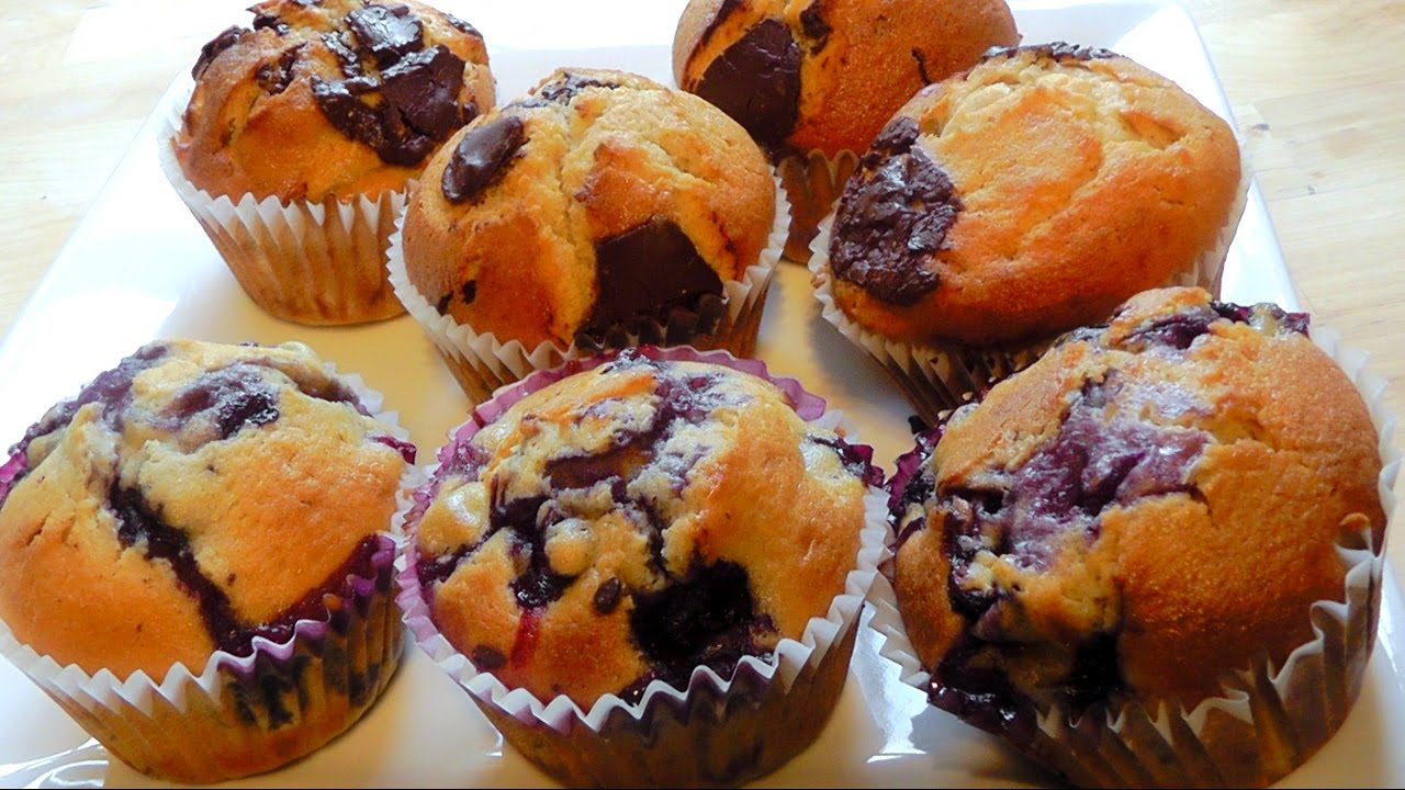 Pumpkin Chocolate Cake Muffins