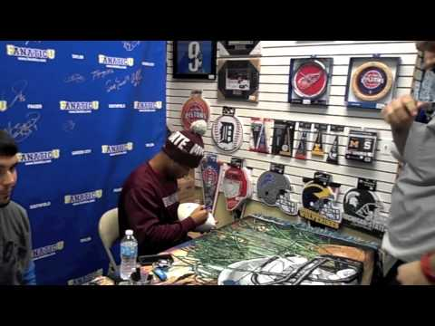 Darius Slay Signing Autographs – IFolloSports.com