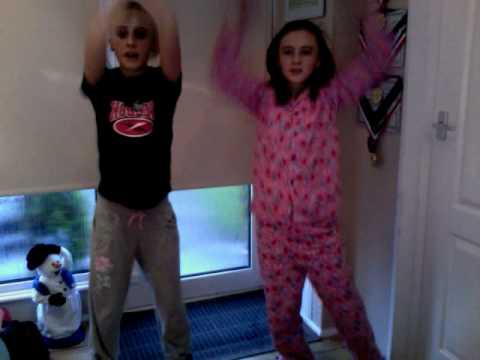sian and lauren dancing womanizer