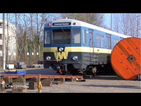 Unloading Oldest metro Rotterdam on the depot #50jaarMetro
