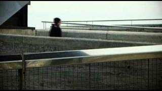 ANORAK SILHOUETTES videoclip