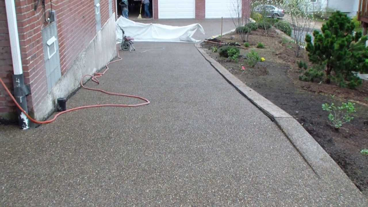 Driveway finished with river stone youtube driveway finished with river stone solutioingenieria Choice Image