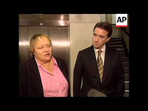 UK: MANDELSON REPLACES MOWLAM IN CABINET RESHUFFLE (2)