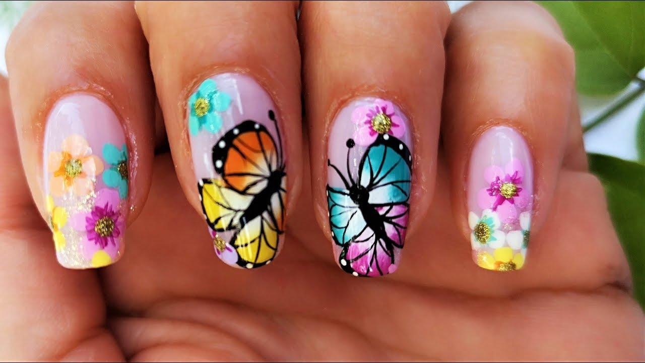 Manicure mariposas