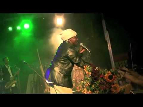 Don Carlos and Lloyd Hemmings encore Satta Massagana Northwest World Reggae Festival 2010  vidbybill