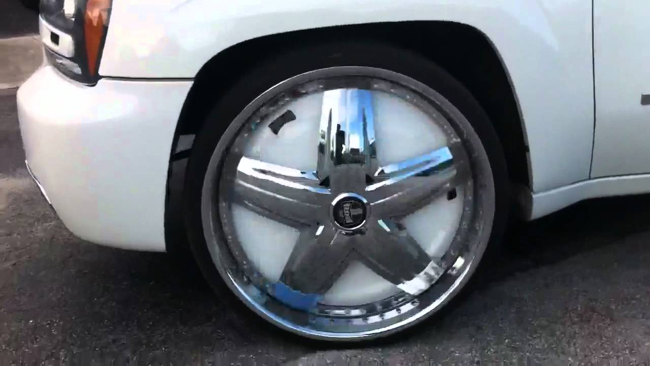 Trailblazer SS on 26s DUB Felon Spinners Floaters - YouTube