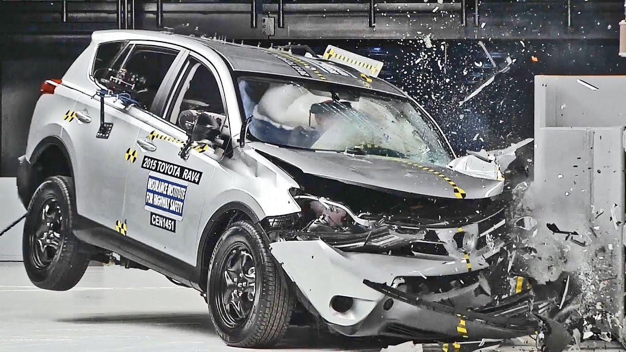 crashes 2015 toyota rav4 driver side vs passenger side youtube