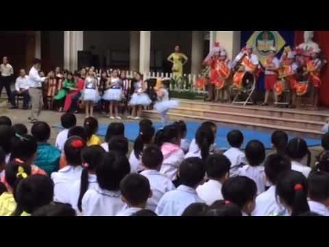 Bài hát: Ở trường cô dạy em thế do bé Nguyễn Minh Thư học s