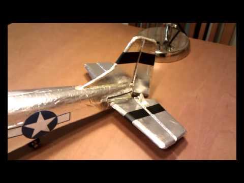 Homemade Mustang P-51 Pruebas servos Mustang P-51 de Nando (CDAM)