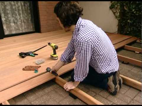 wolfcraft comment poser une terrasse en bois youtube. Black Bedroom Furniture Sets. Home Design Ideas